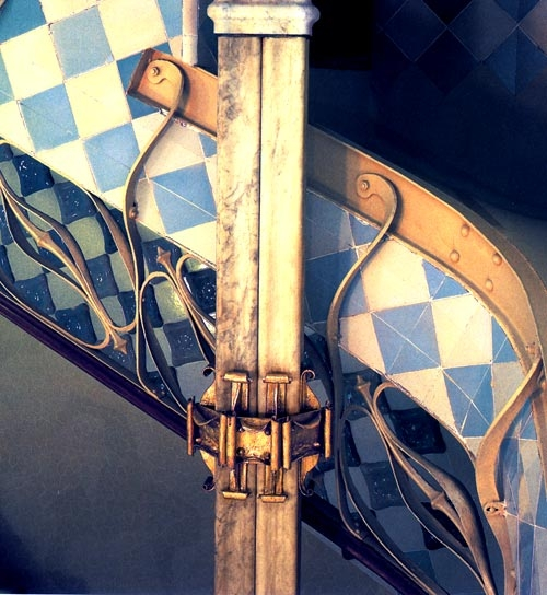 Casa Batllo / Wrought Iron / Detail of the staircase