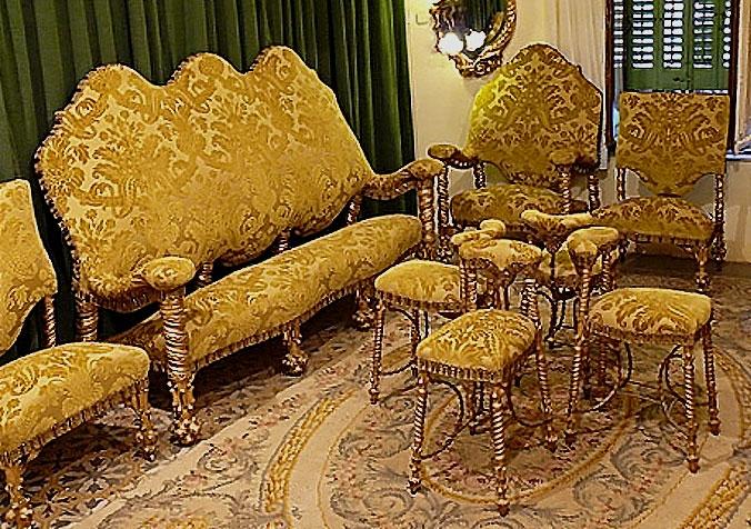 Gaudi designer casa calvet ebenisteria salon calvet - Salon toro calvet ...