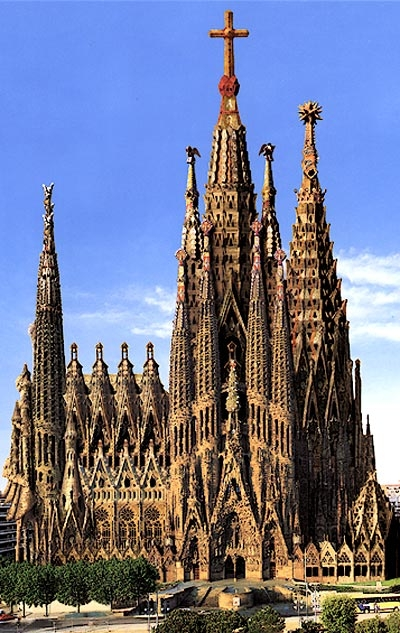 Gaudi designer sagrada familia for Kathedrale barcelona gaudi